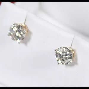 $1200 1.0 CT Natural Diamond 14K Yellow Gold Studs